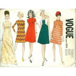 Vintage Vogue Women's Dress Pattern - 1970s