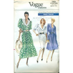 Dress Pattern Vogue Full & Slim Skirt