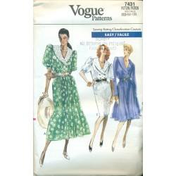 Dress Pattern Vogue Full & Slim Skirt