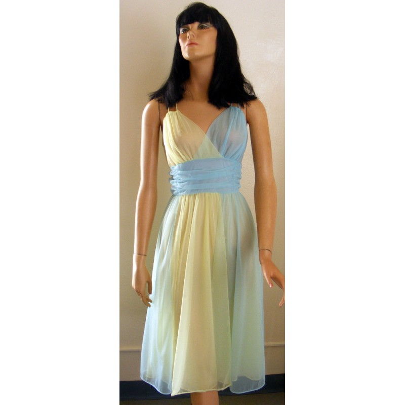 Vanity Fair Nightgown Babydoll 1960s - Angel Elegance Vintage